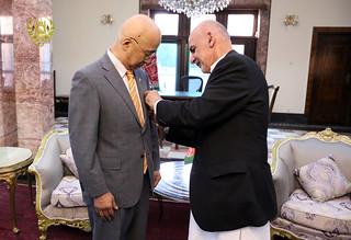ملاقات تودیعی و تفویض مدال به سفیر جاپان 24 میزان 1395 (4)