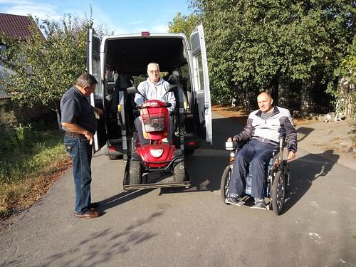 Товариство дякує за «мерседес», який використають для перевезення людей з особливими потребами