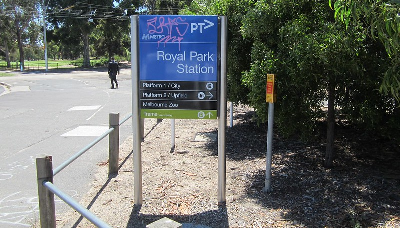 Royal Park Station signage