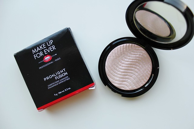 Make Up For Ever Pro Light Fusion Highlighter in Rose Gold review and swatches