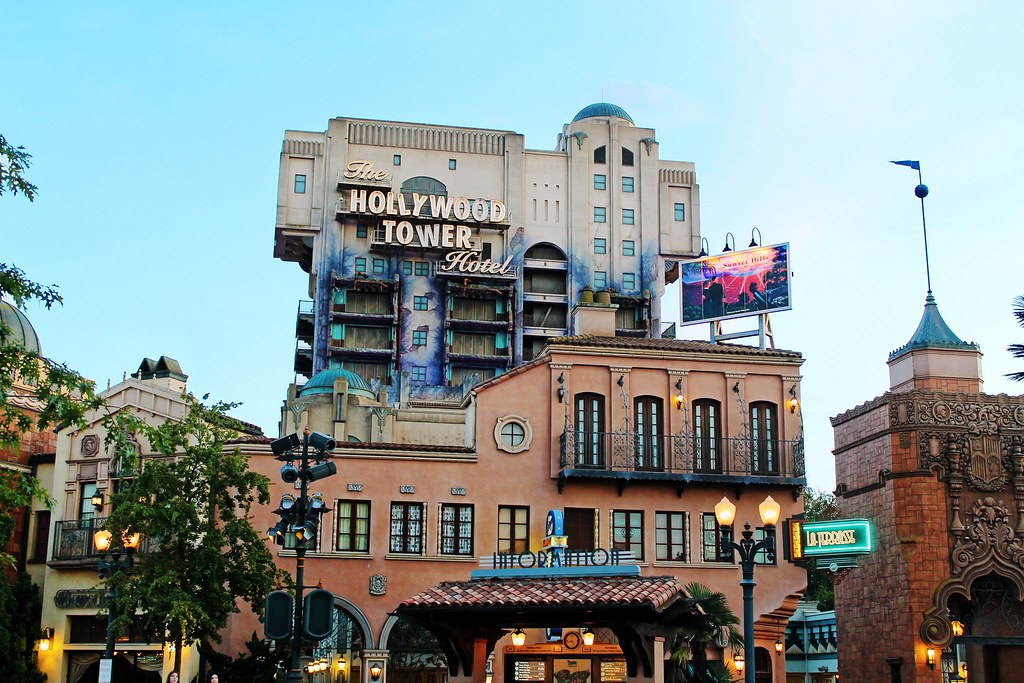 Drawing Dreaming - 10 razões para visitar a Disneyland Paris - The Twilight Zone Tower of Terror