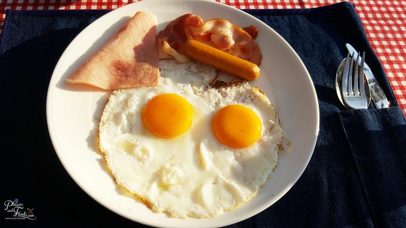 glamping singha breakfast