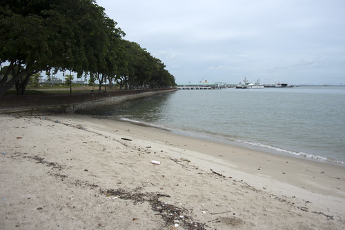 Oil spill in the Johor Strait (4 Jan 2017) from Changi Carpark 6