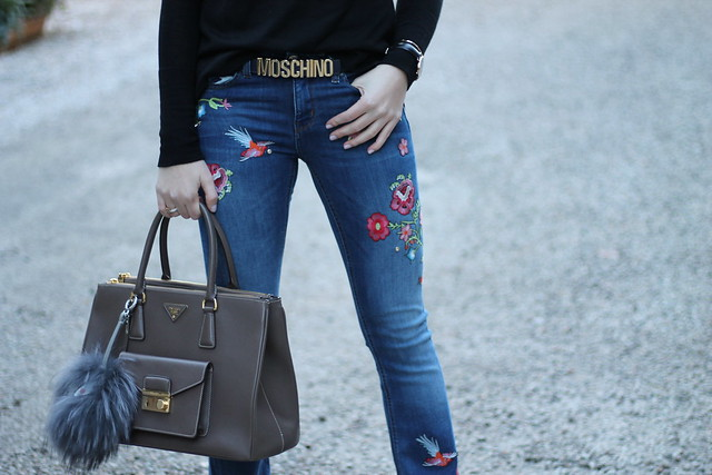 embroidered-jeans-details-wiebkembg