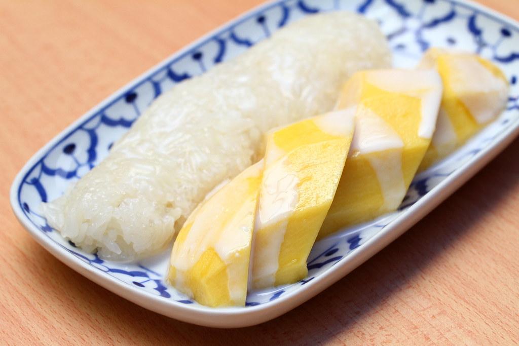 soi-thai-kitchen-mango-sticky-rice