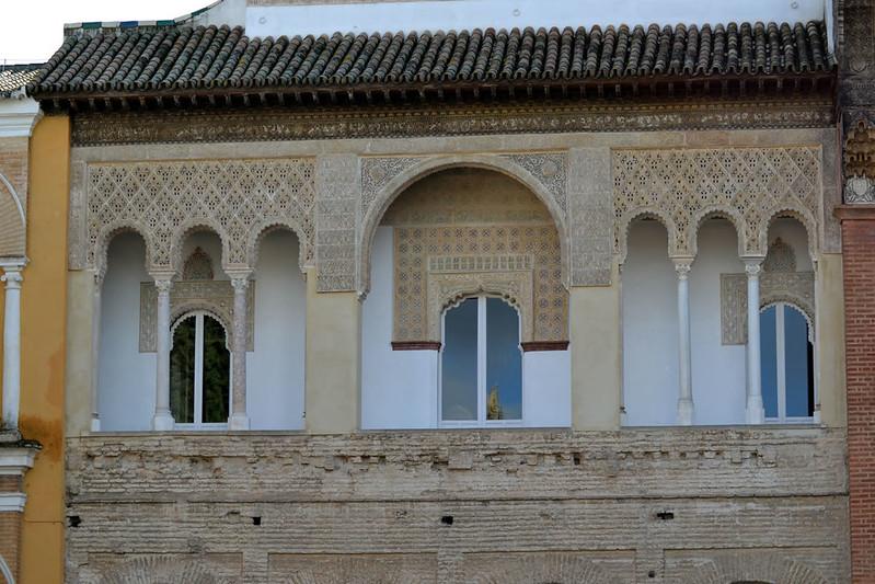 Ventanas del piso superior de la fachada