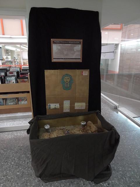 Exposició treballs sobre arqueologia de l'INS Marina
