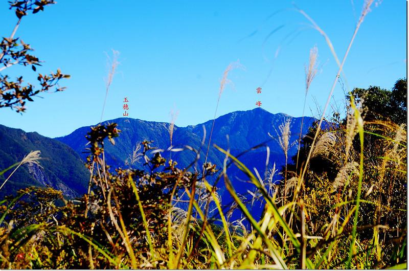 馬馬宇頓山山頂東北眺玉穗山、雲峰 2