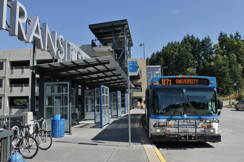 CT 25811 at Mountlake Terrace TC