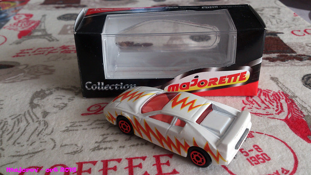 N°211 Ferrari Testarossa. 31221669333_38d4b3e64f_z