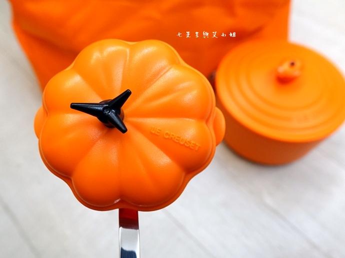 16 7-11 法國 Le Creuset 食尚集點送 食尚餐具組、雙層微波便當盒、食尚兩用餐墊、食尚保冷提籃