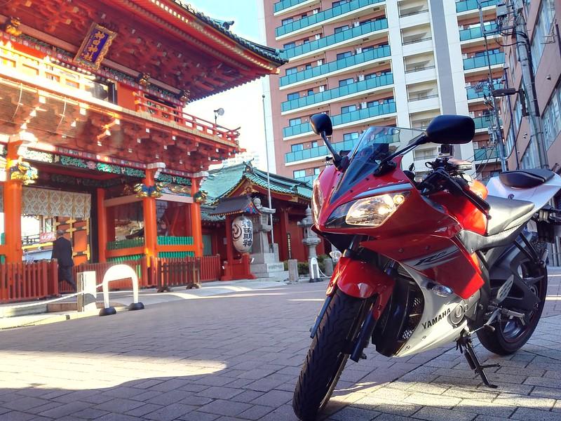 YZF-R15と神田明神