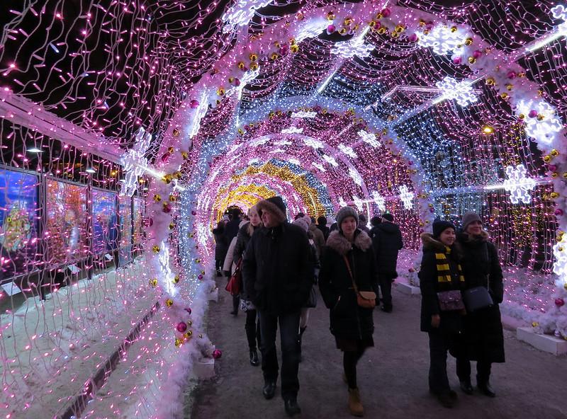 Световой тоннель на Тверском бульваре