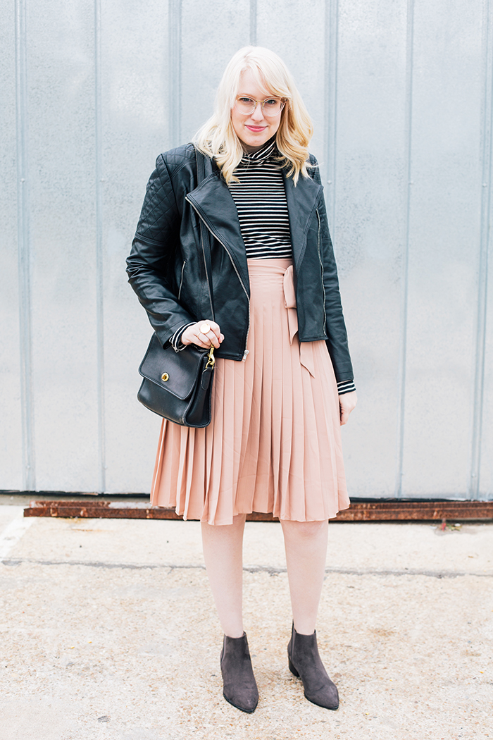 austin style blogger blush midi skirt moto jacket5