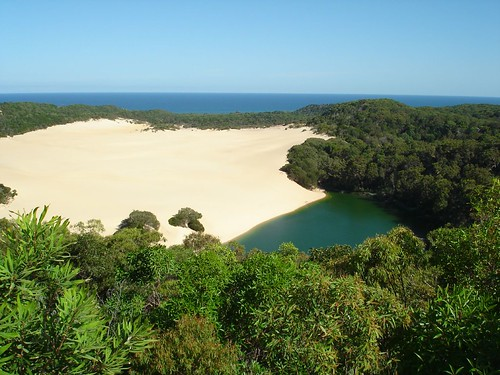 Lake Waddy, Fraser Island | by peterjoel1
