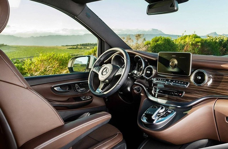 2017_mercedes_benz_v_class_carbonoctane_1