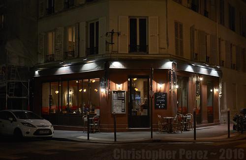 Paris ~ Endroit au Coin de la Rue