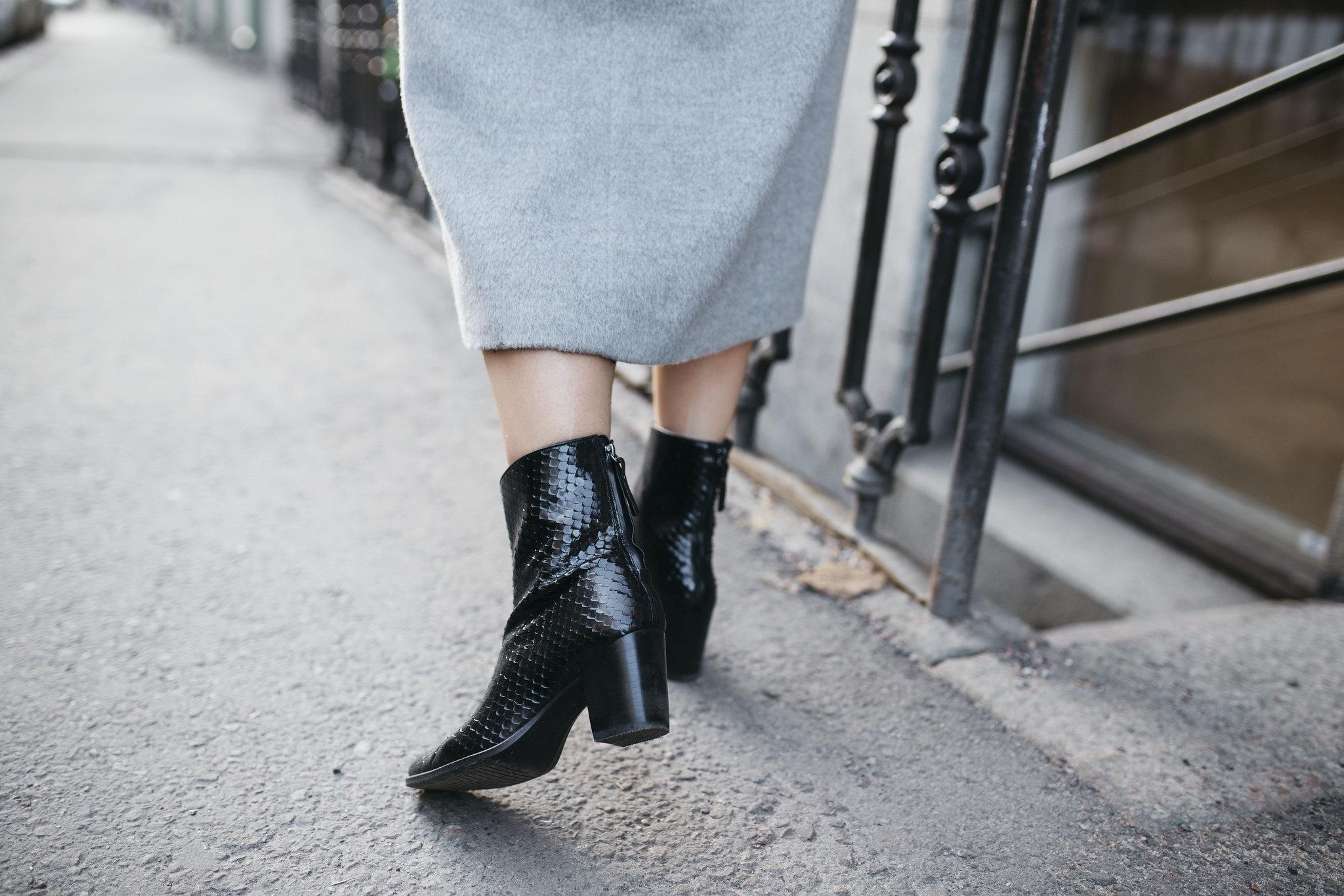 shoes-detail-ecco-boots