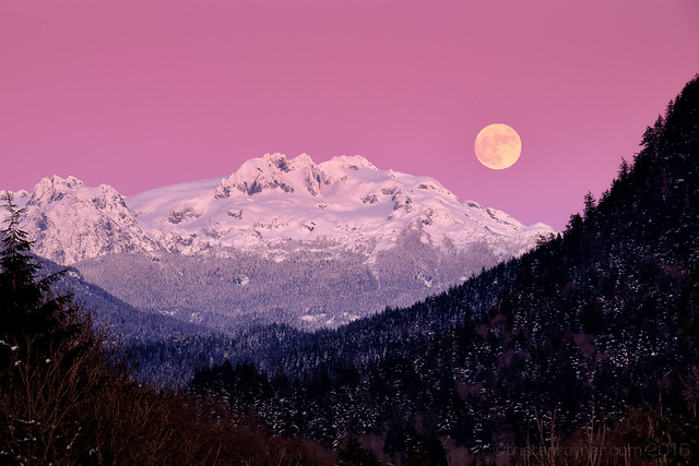 Alpenglow Full Moon