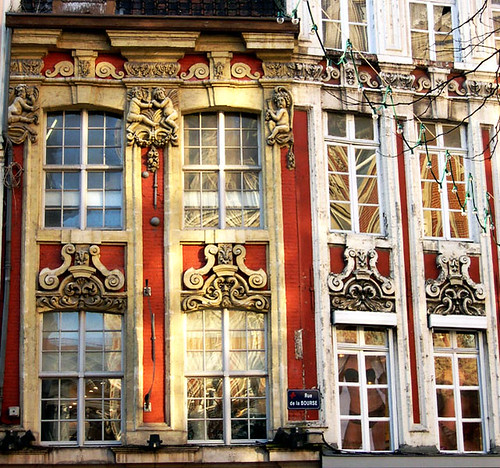 Vieux lille windows in the old lille district kat for Pinterest fr