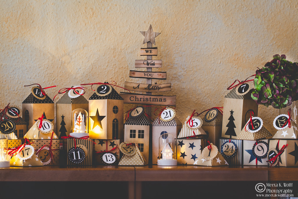 Christmas Advent Calendar by Meeta K. Wolff-WM-0103