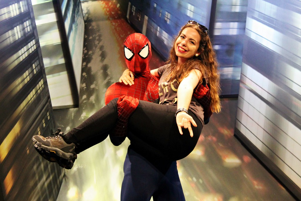 Drawing Dreaming - 10 razões para visitar a Disneyland Paris - Meet Spiderman