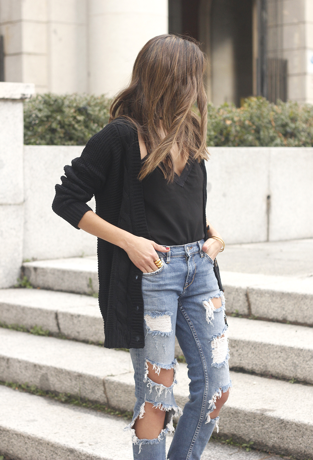 black lace top ripped jeans black cardigan uterqüe bag accessories outfit style fashion heels13