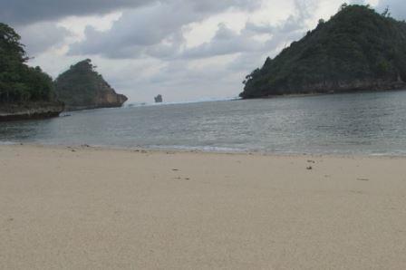 view sisi kiri pantai gatra