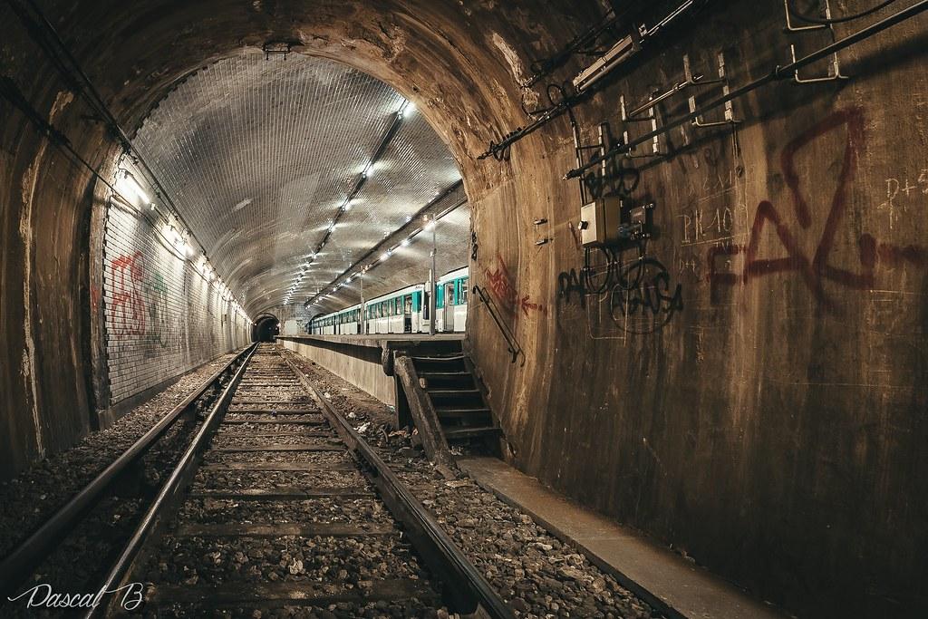 [Station famtôme] Porte Molitor 31822664141_80a2347df0_b