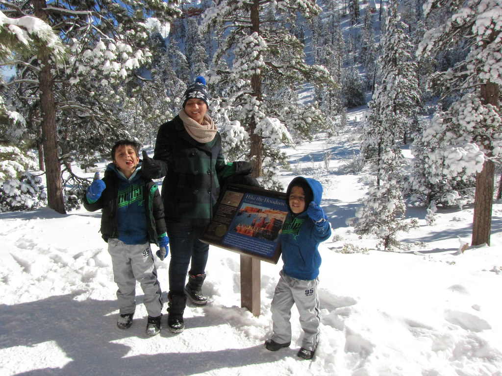 We hiked the Hoodoos.. Kids' 9th hike is the famous navaho loop in bryce. Our first sub-zero family hike. Thats lot of, really lot of preparation.