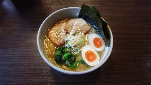 gifu-takayama-menya-ibuki-tonkotsu-deluxe02