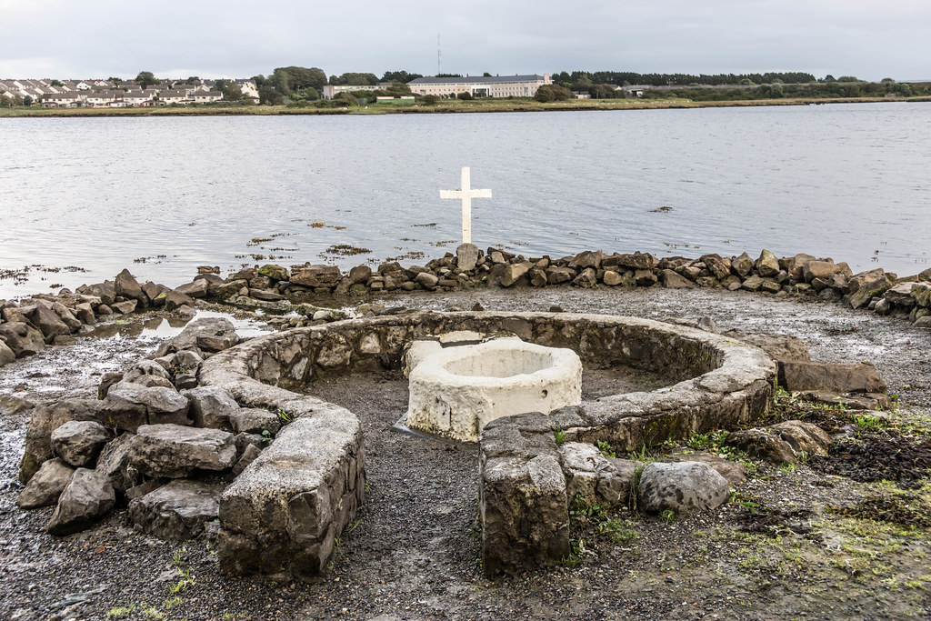 "A HOLY WELL IN A TIDAL ZONE ""ST. AUGUSTINE'S HOLY WELL [LOUGH ATALIA ROAD IN GALWAY]REF-107244"
