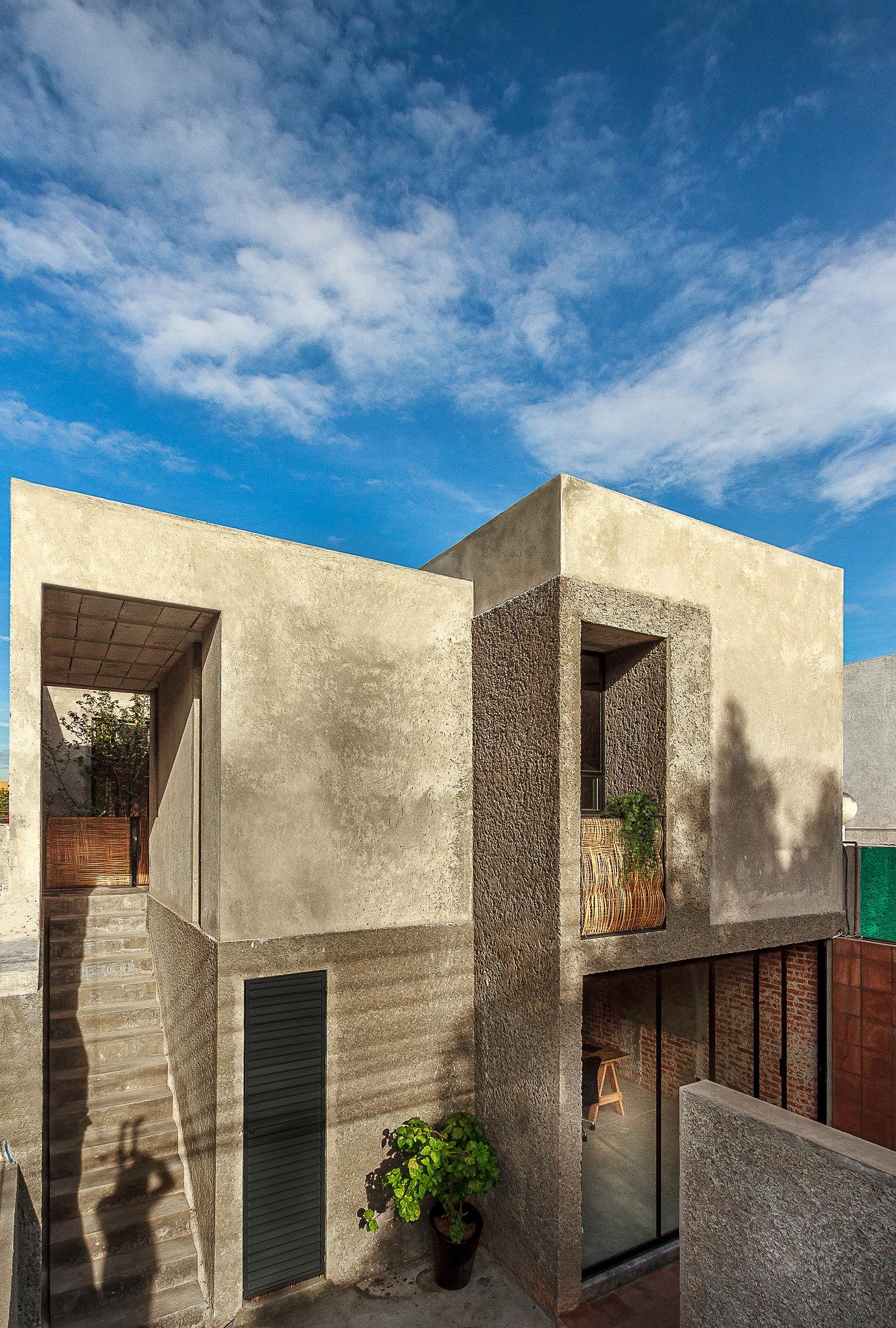 Mexican studio created by Intersticial Arquitectura Sundeno 3