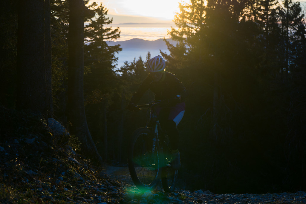 Montée technique au coucher de soleil