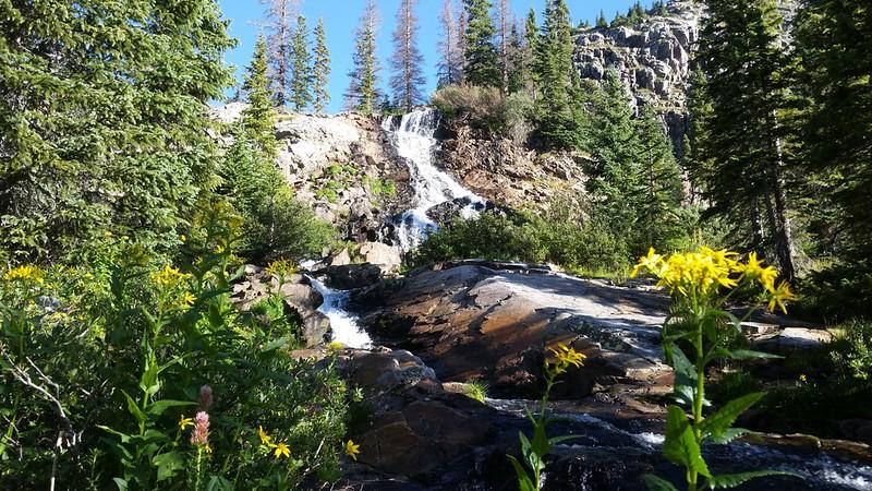 The upper waterfall on Lake Creek