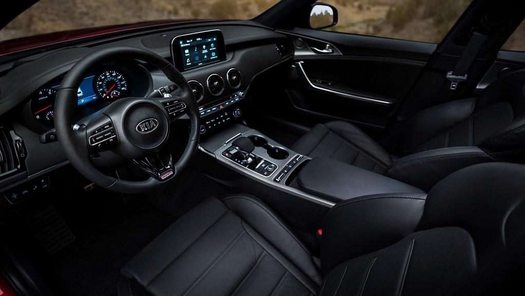 Kia Stinger GT 4