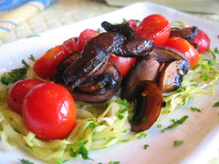 zucchini_spaghetti with cherry_tomato and cremini_mushroom | by tofu666