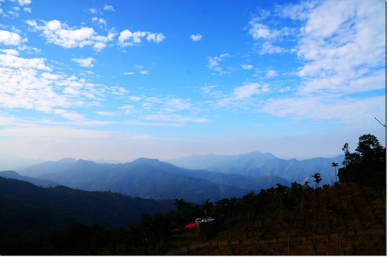 卓武咖啡農場西南眺群山 3