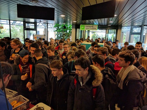 A horde of hungry students!