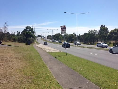 Greensborough Road, Watsonia (looking south)