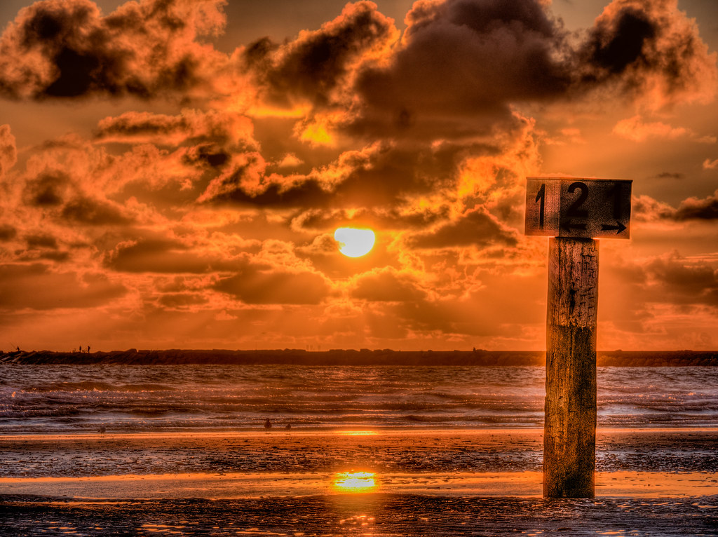 Sunset IJmuiden - HDR