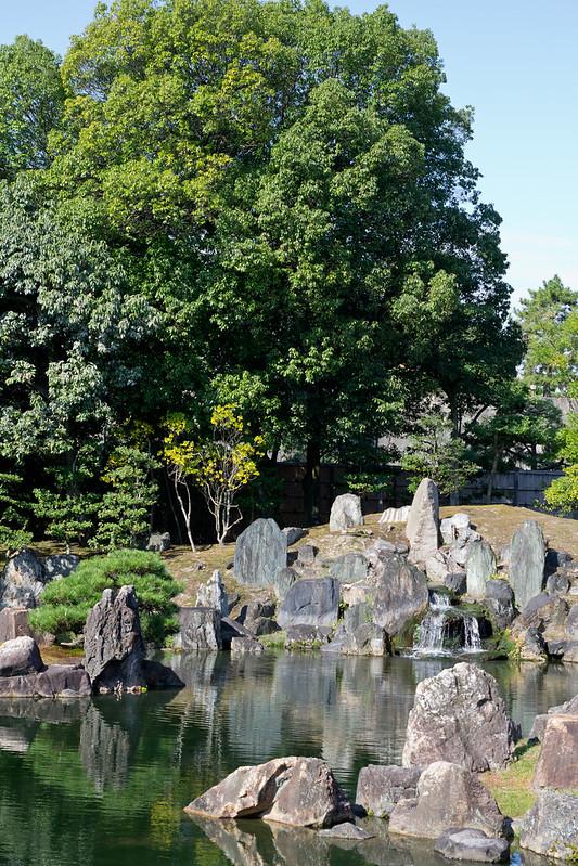 Nijo Castle Garden, Kyoto, Japan | packmeto.com