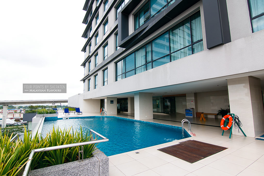 Four Points by Sheraton Puchong Hotel swimming pool