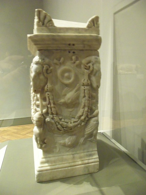 1st c Roman cinerary box (1)