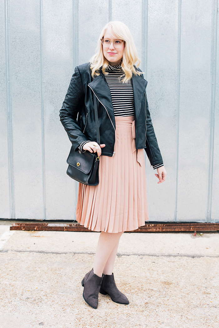 austin style blogger blush midi skirt moto jacket3