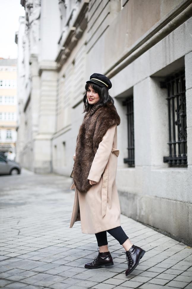 combinar abrigo largo camel bufanda pelo sintetico nalu nalu collection jersey manga farol