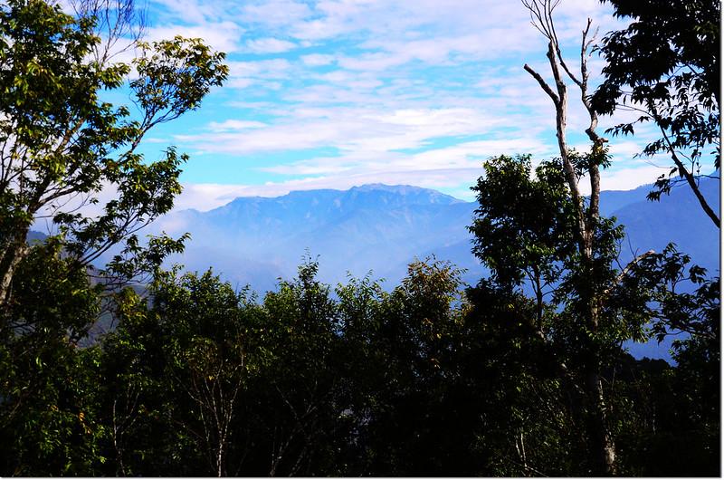 卓武山山頂觀景台東北望玉山群峰
