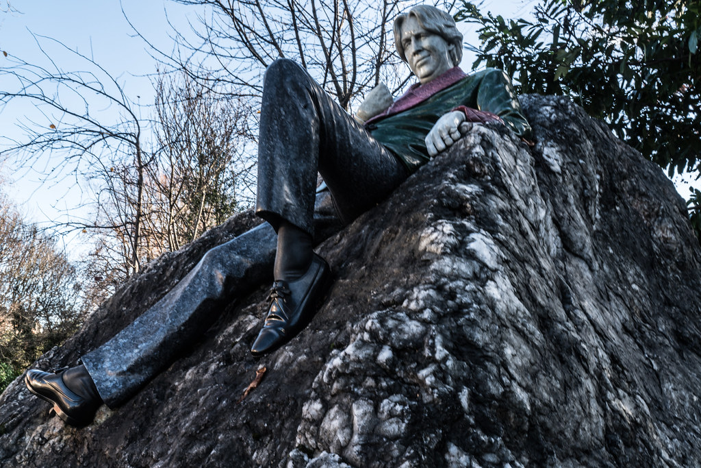 THE OSCAR WILDE INSTALLATION HAS BEEN RESTORED AND REPAIRED AND THE LAYOUT HAS BEEN CORRECTED [MERRION SQUARE DUBLIN]-124119