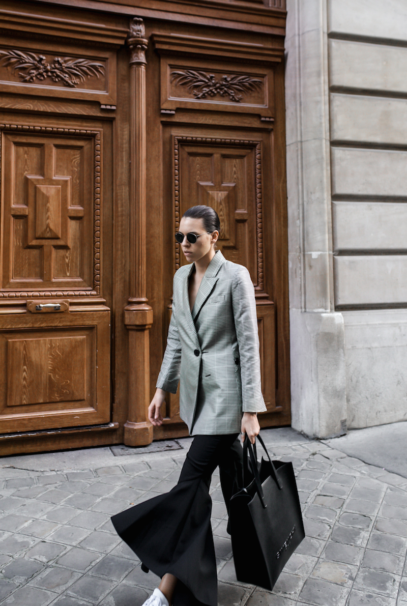 ellery cropped ankle flare pant trouser houndstooth velma blazer Givenchy tote Paris fashion blogger modern legacy workwear street style Instagram minimal (2 of 7)
