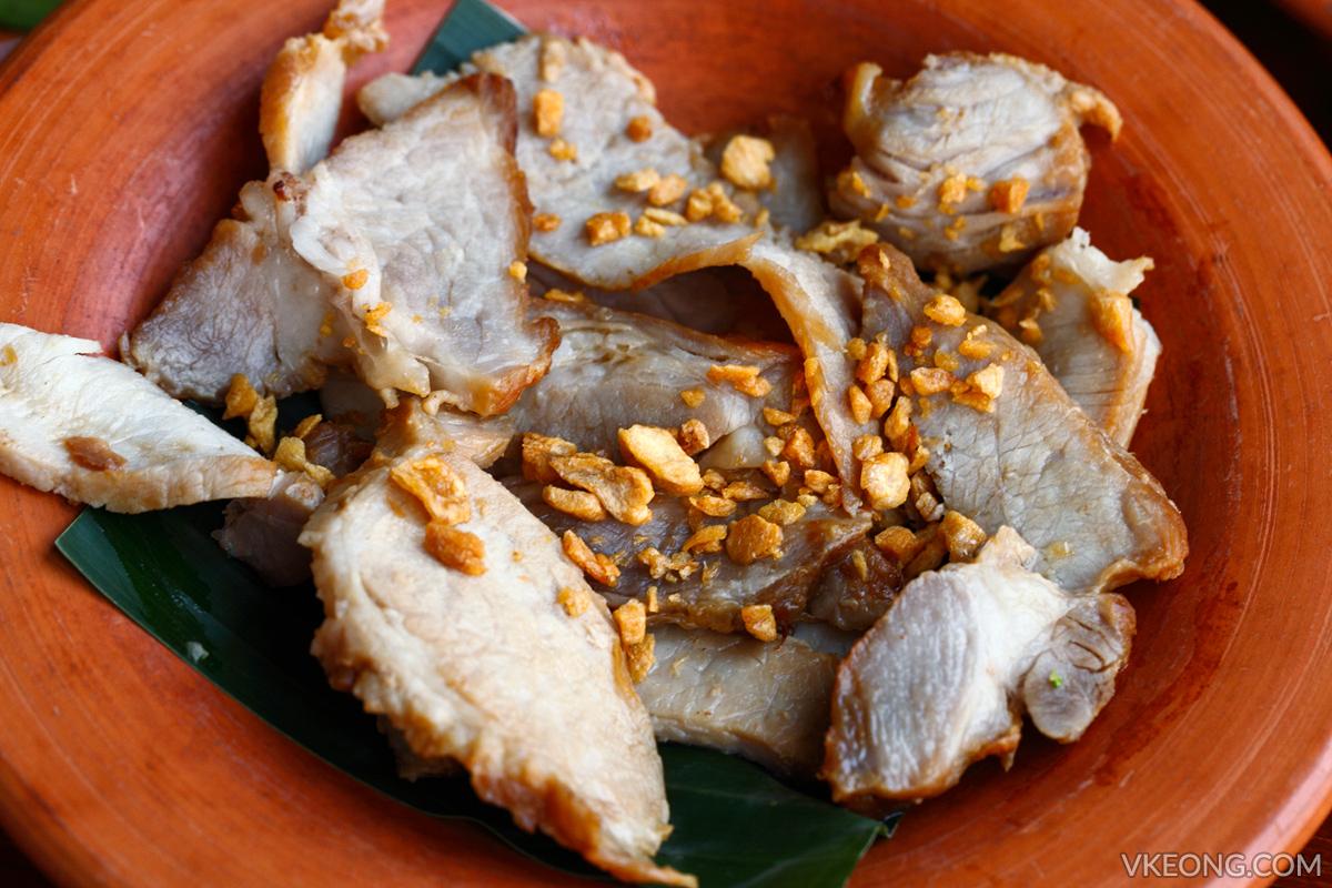 Prik Yuak Green Chilli Fried Pork with Garlic